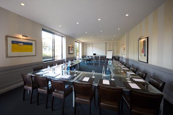 Maison Pic, Luxushotel und Sternerestaurant in einer Stadt 3 Sterne ...